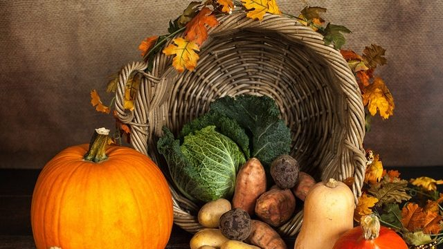 Thanksgiving basket with food